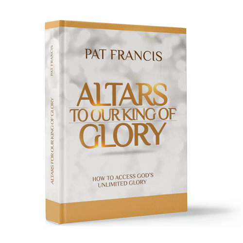Alters to Our King of Glory
